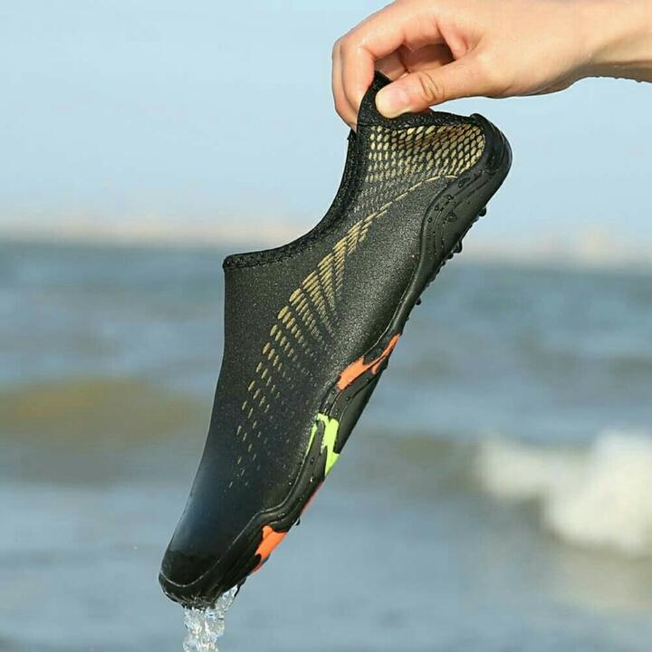 Sepatu Pantai 3