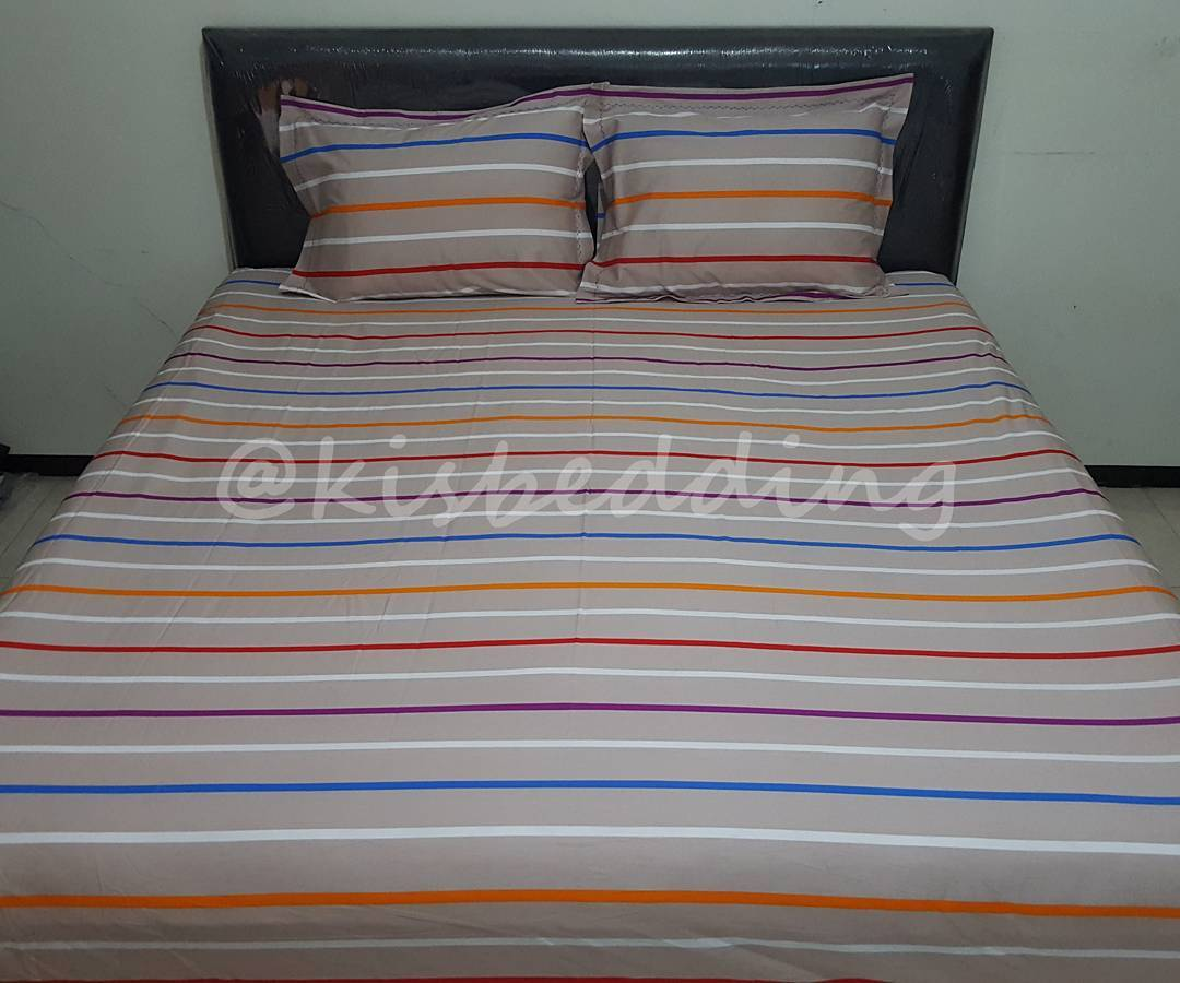 Sprei Motif Rainbow Strip