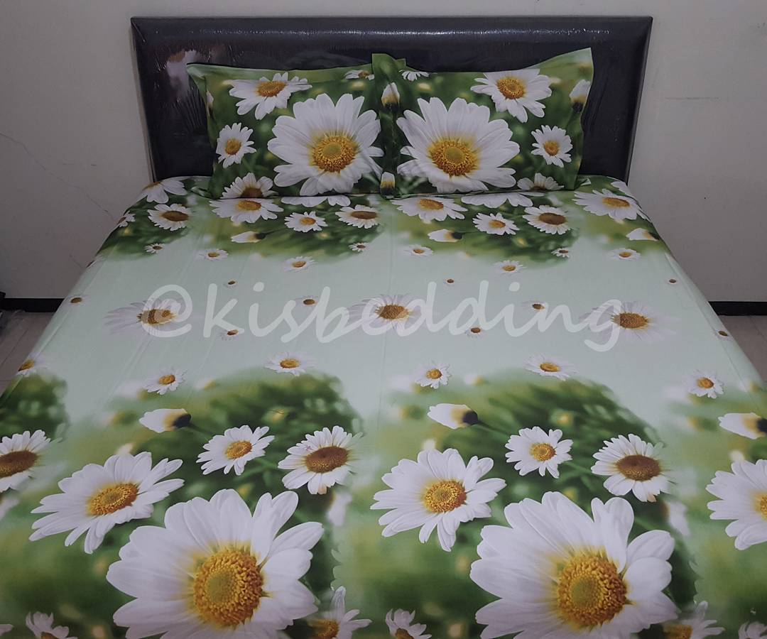 Sprei Motif White Flowers