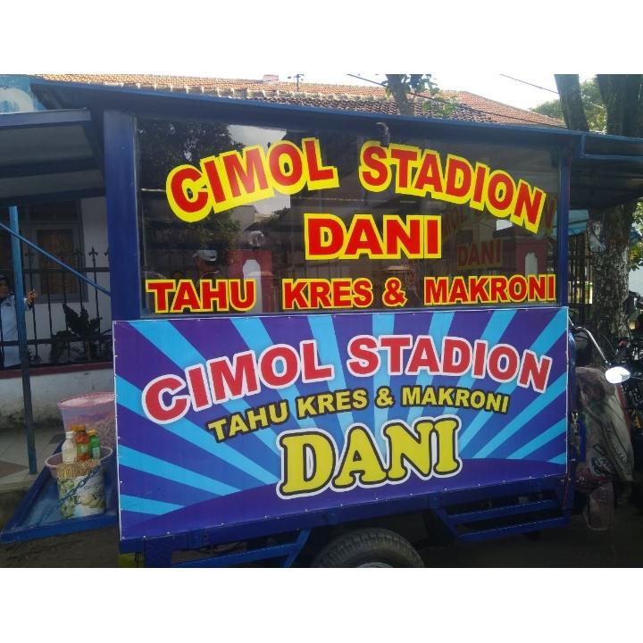 Cimol dan tahu kres stadion - Utara Penjara