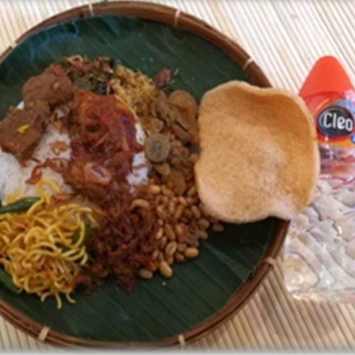Nasi Campur Pagutan