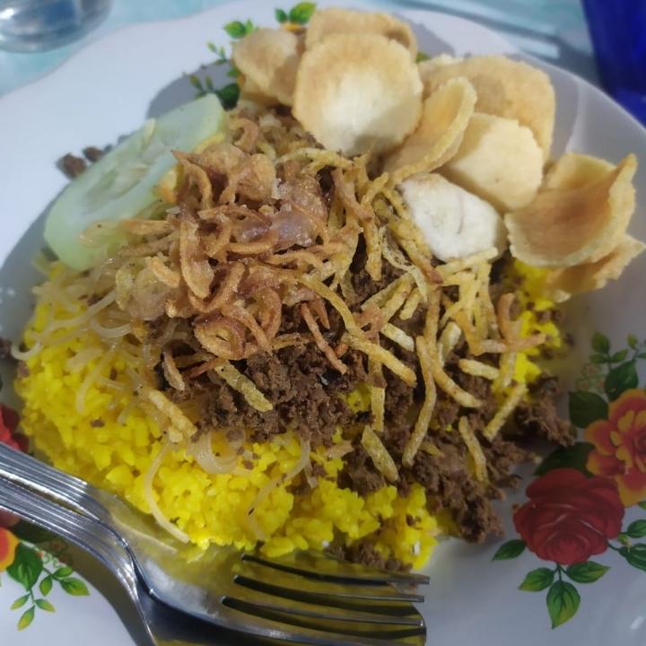 Nasi Kuning Abon