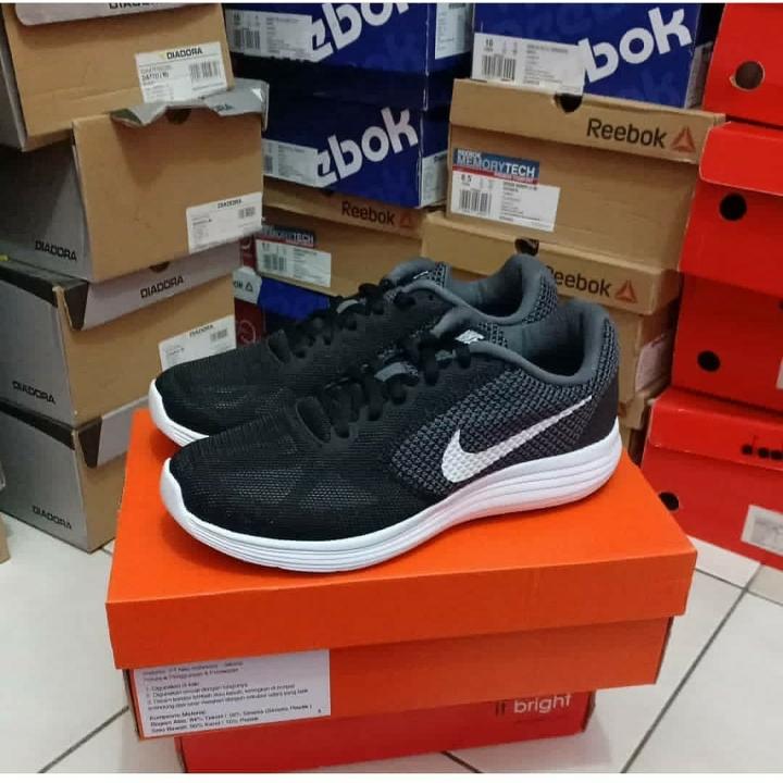 Nike 819303001