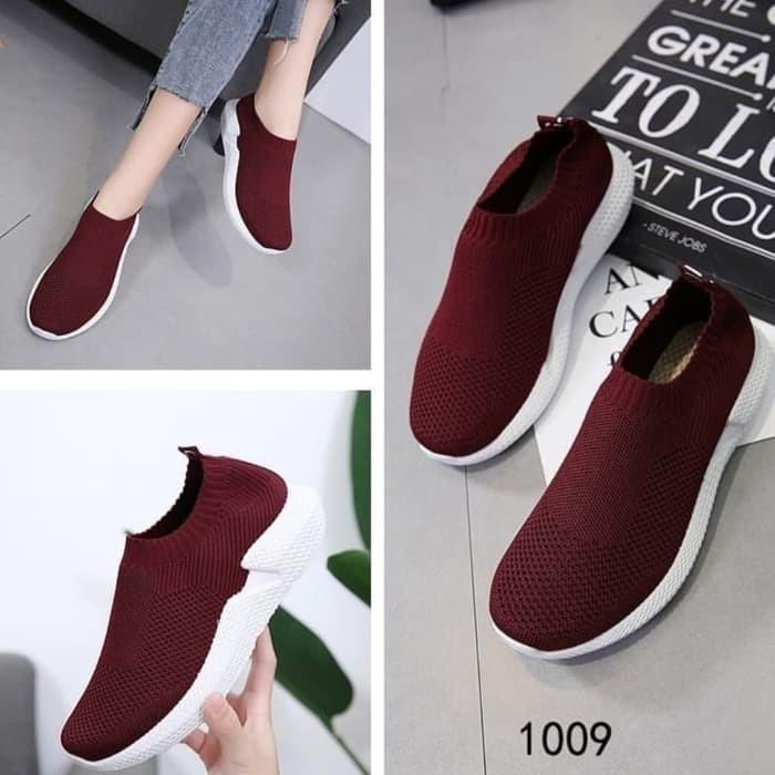 Sepatu Slip On Moya VM08 Maroon